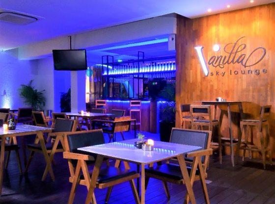vanilla-sky-lounge-grand-aston-hotel-yogyakarta