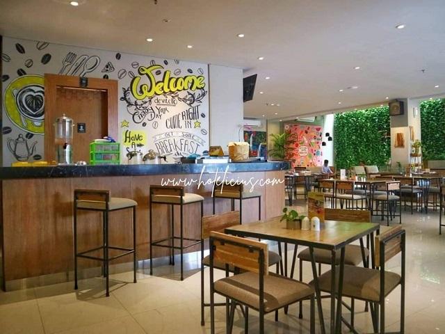 Interior Lawang Resto Hotel Yellow Star Ambarrukmo Yogyakarta