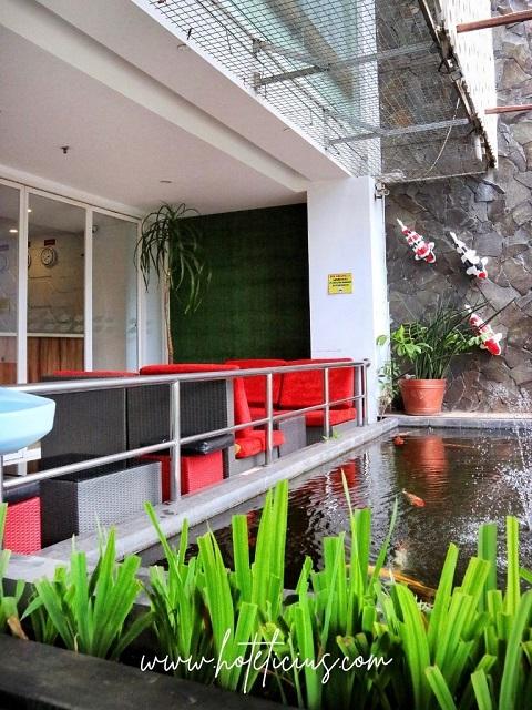Front Area Hotel Tickle Jogja
